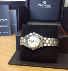 Tag Heuer Aquaracer 32mm Ladies Quartz MOP Dial WAF1312