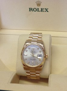 Rolex Day-Date 118238 18ct Yellow Gold Silver Diamond Dot Dial Just Serviced By Rolex UK