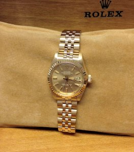 Rolex Datejust Ladies 26mm 6917 From 1979 18ct Yellow Gold Champagne Baton Dial Original Finish!