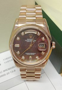 Rolex Day-Date 118205 Rose Gold Black MOP Dial