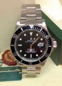 Rolex Submariner Date 16610LN Engraved Rehaut