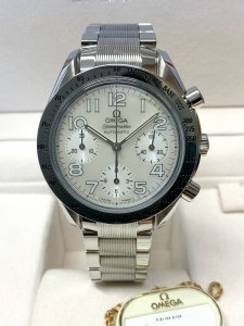Omega Speedmaster 1750042 Mother of Pearl Dial