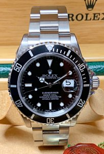 Rolex Submariner Date 16610LN Black Dial
