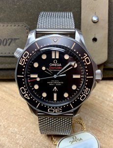 Omega Seamaster James Bond 007 Edition 210.90.42.20.01.001