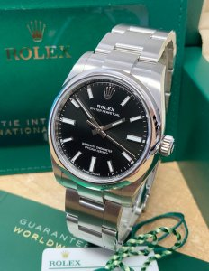 Rolex Oyster Perpetual 34 124200 Black Dial