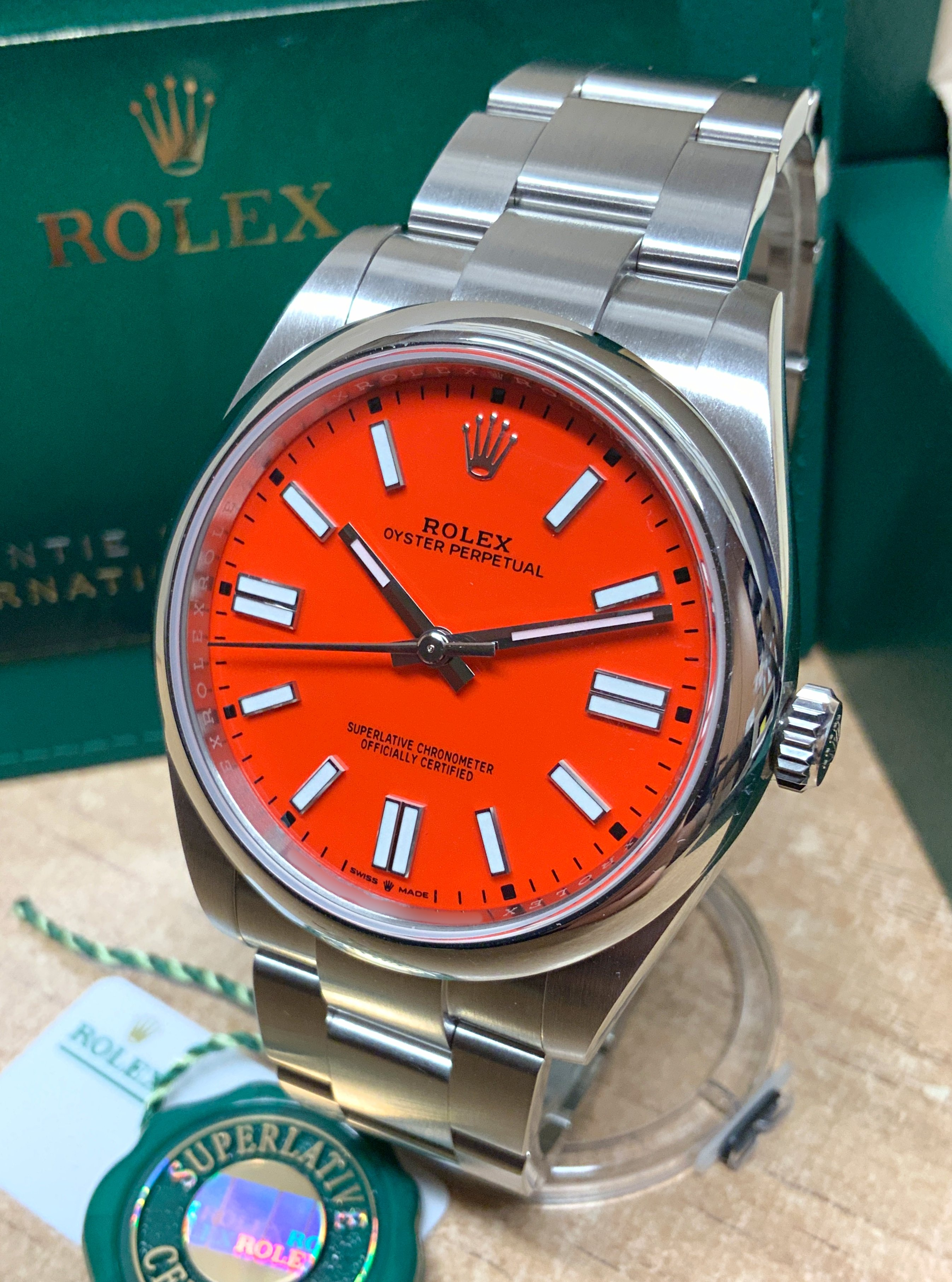 Rolex Oyster Perpetual 41 124300 Coral Dial