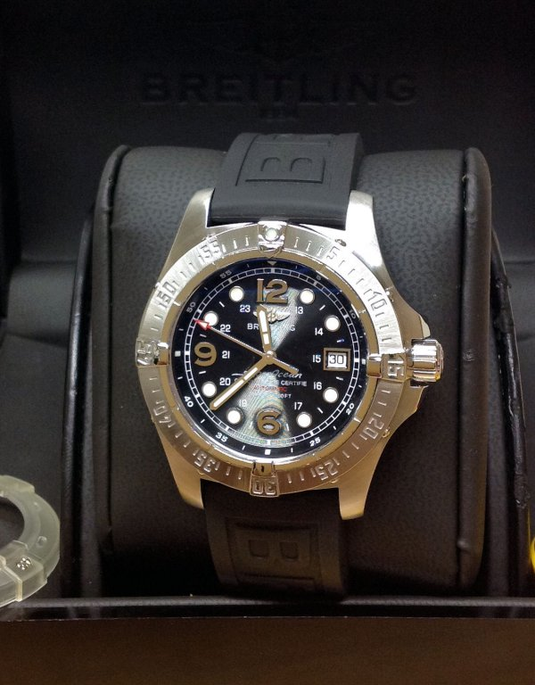 the latest a7ae9 0a39b Breitling Superocean Steelfish A17390 Black Dial